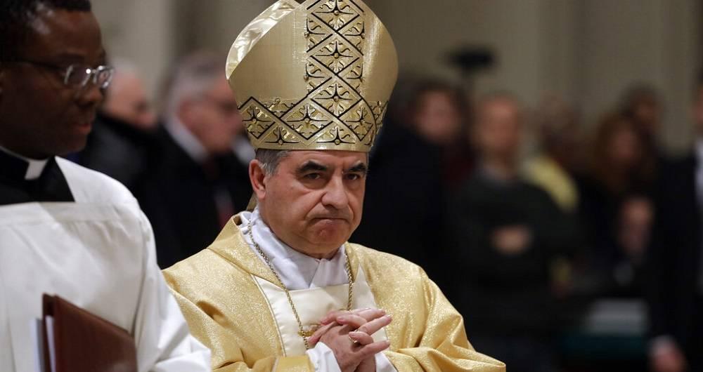 renuncia del cardenal becciu